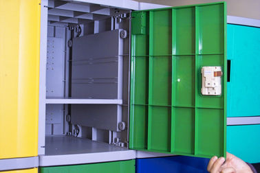 Employee ABS Plastic Lockers Green 8 Comparts 1 Column Coin Operated Lockers